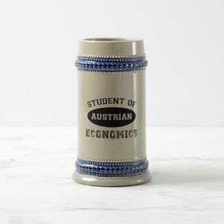 Estudiante de la economía austríaca jarra de cerveza