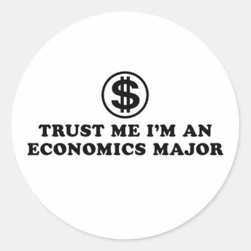 Estudiante de la economía pegatina redonda
