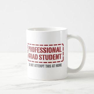 Estudiante de postgrado profesional taza básica blanca