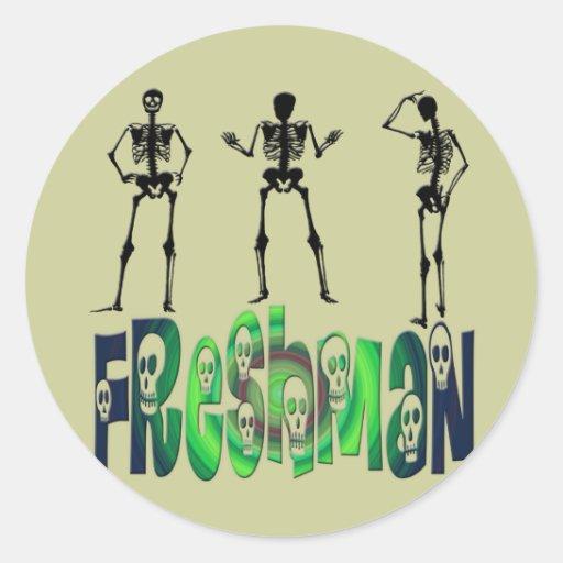 Estudiante de primer año - esqueletos pegatina redonda