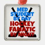 Estudiante del MED del amante del hockey Adorno Cuadrado Plateado