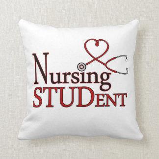 Estudiante del oficio de enfermera cojines