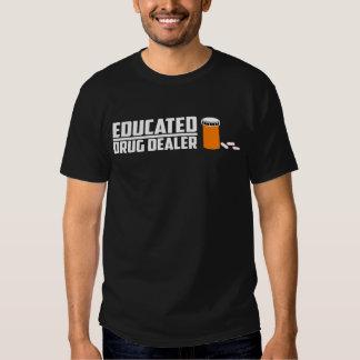 Estudiante educado de la ciencia del traficante camisas