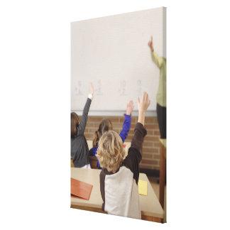 estudiantes en sala de clase lienzo envuelto para galerias