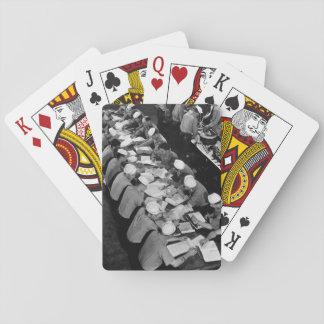 Estudiantes que estudian en imagen lab_war diesel baraja de póquer