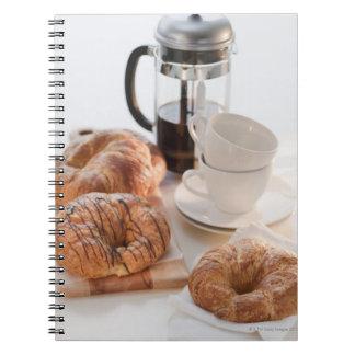 Estudio tirado de Croissants Note Book