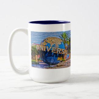 Estudios universales taza dos tonos