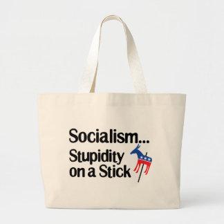 Estupidez del socialismo… en un palillo bolsa