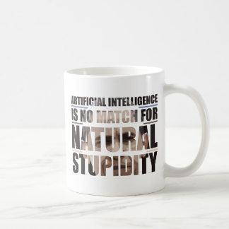 Estupidez natural taza básica blanca