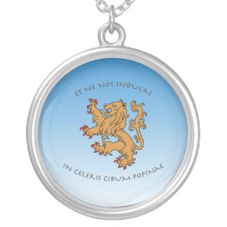 Et ne nos inducas in celeris cibum popinae round pendant necklace