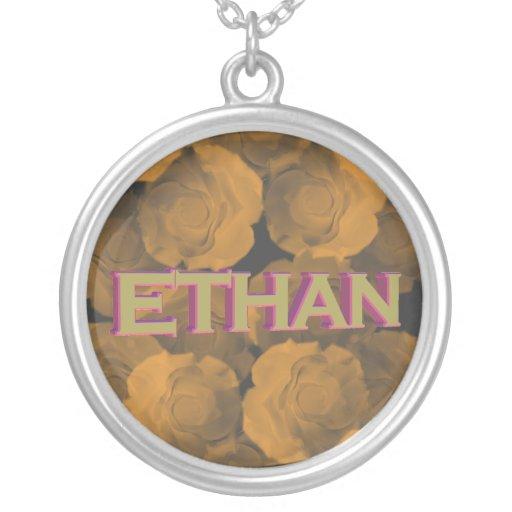Ethan en el oro 3D sobre croma del melocotón subió Colgante Redondo