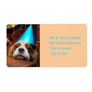 Etiqueta arrogante del cumpleaños del perro de agu etiquetas de envío
