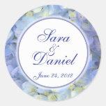 Etiqueta azul y blanca del favor del boda del