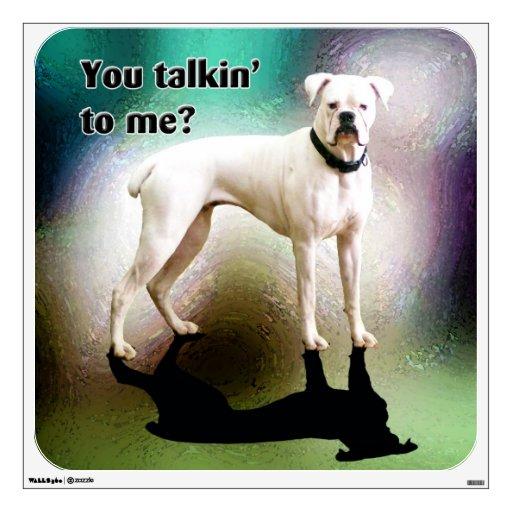 Etiqueta blanca descarada de la pared del perro de vinilo