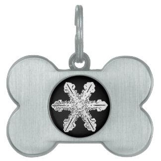 Etiqueta blanco y negro del mascota del copo de ni placas de nombre de mascota