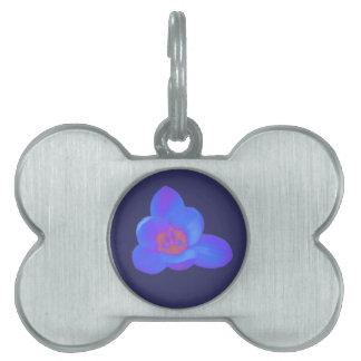 Etiqueta caliente y fría de la flor del azafrán de placas de mascota