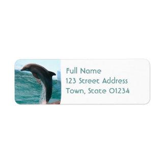 Etiqueta de correo de salto del remite del delfín etiqueta de remite