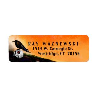 Etiqueta de devolución de la dirección - cuervo y etiqueta de remitente