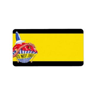 Etiqueta de dirección del amarillo de la magdalena