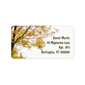 Etiqueta de dirección del árbol de la caída,