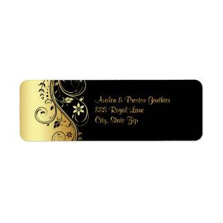 Etiqueta de dirección floral del boda del oro y de