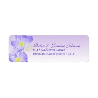 Etiqueta de dirección púrpura del boda de la flor