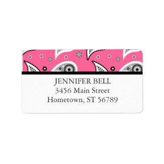 Etiqueta de dirección rosada y negra de Paisley