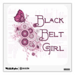 Etiqueta de la pared del chica de la correa negra