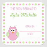 Etiqueta de la placa de libro del búho de la niña