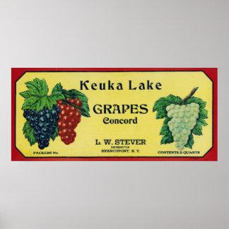 Etiqueta de las uvas de concordia del lago Keuka Póster