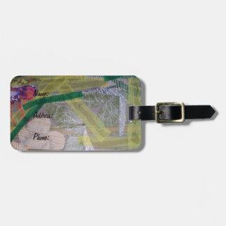 Etiqueta del equipaje con collage etiquetas bolsas