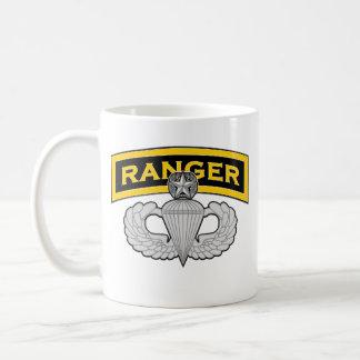 Etiqueta del guardabosques - arenador principal taza de café
