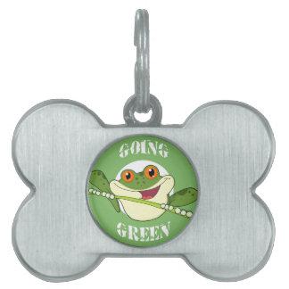 Etiqueta del mascota de la rana verde que va placa de mascota