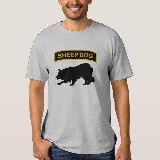 Etiqueta del perro pastor remeras