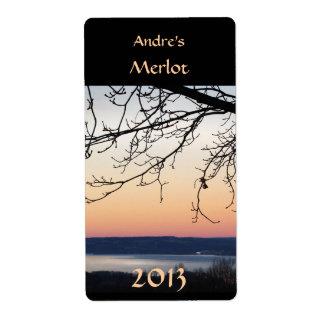 Etiqueta del vino de la puesta del sol del lago etiqueta de envío