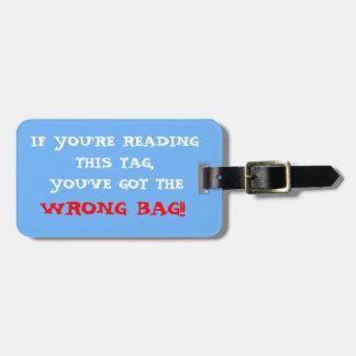 Etiqueta incorrecta del equipaje del bolso etiquetas bolsas
