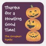 Etiqueta linda de risa del favor de Halloween de l