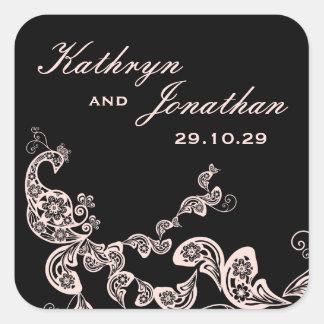 Etiqueta negra rosada floral del regalo de boda