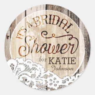 Etiqueta nupcial rústica de la ducha de madera y