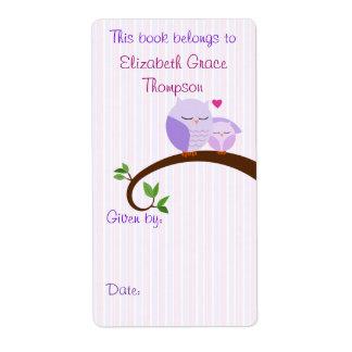 Etiqueta púrpura del libro de los búhos de la mamá etiquetas de envío