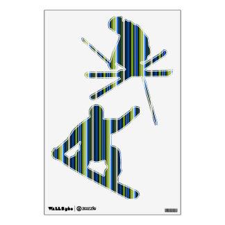 Etiqueta rayada azul y verde del esquiador y del