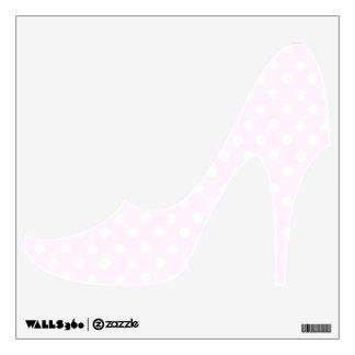 Etiqueta rosada de la pared del zapato del tacón a