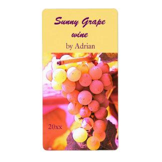Etiqueta soleada de la botella de vino de las uvas etiqueta de envío