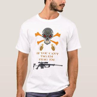 Etiqueta y camiseta de Frag
