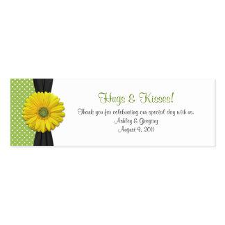 Etiquetas amarillas del favor de la ocasión especi