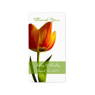Etiquetas anaranjadas del favor del boda del tulip etiqueta de dirección