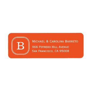 Etiquetas anaranjadas del monograma etiqueta de remitente