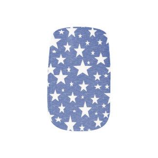 Etiquetas azules estrelladas de la uña de la noche arte para uñas