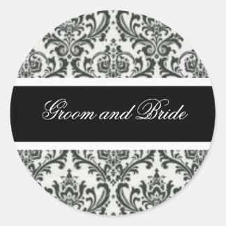 Etiquetas blancos y negros del boda pegatina redonda