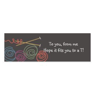 etiquetas coloridas del regalo de las agujas que tarjetas de negocios